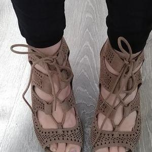 Crown Vintage Lace Strappy Gladiator sanda Heels 8